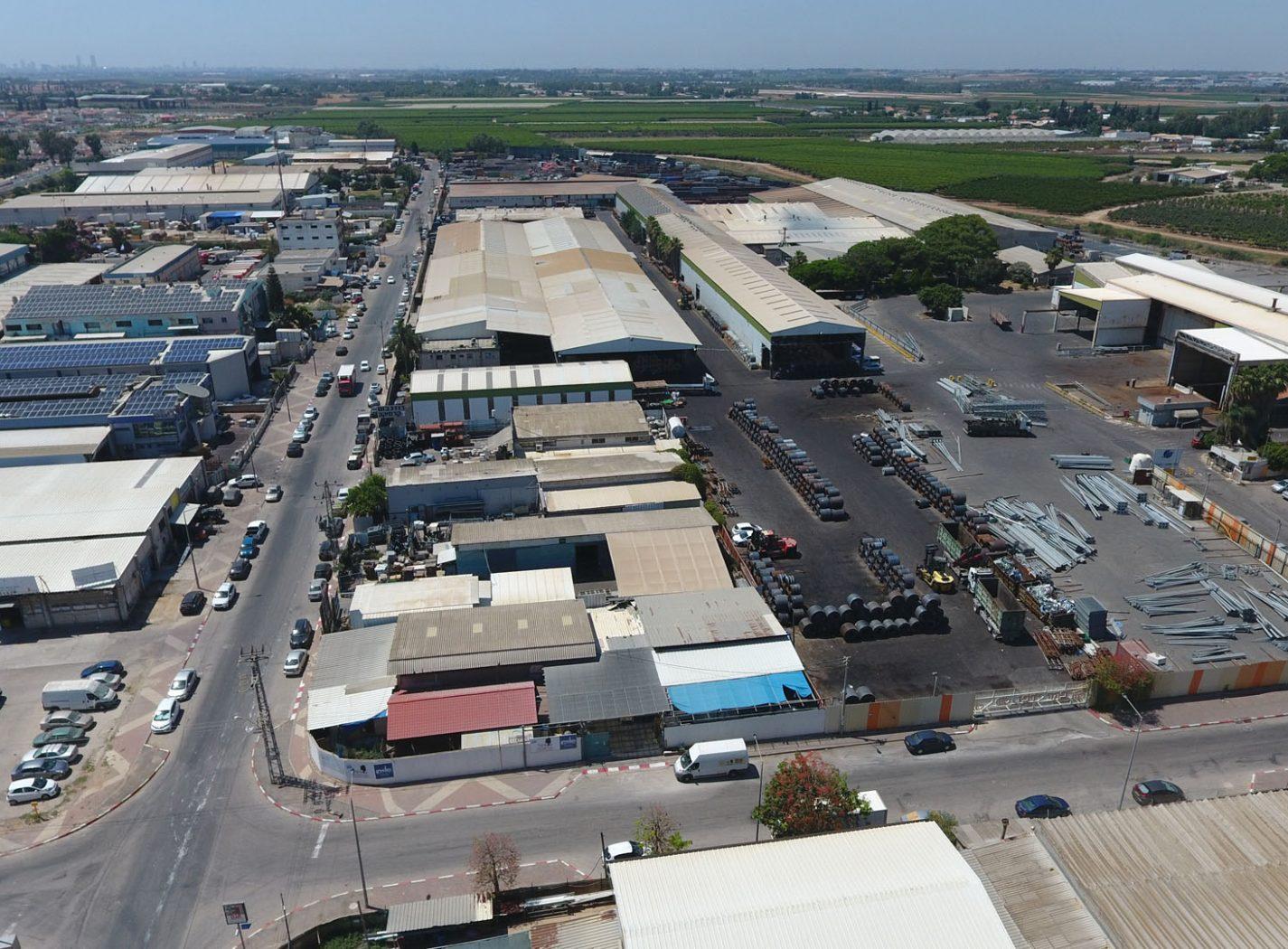 צילום אווירי של מרכז תעשיה ולוגיסטיקה פקר, קרית מלאכי